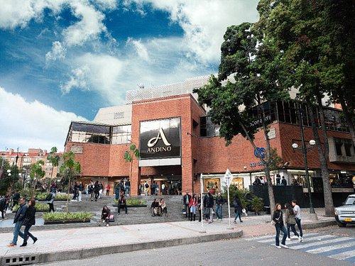 Fachada Principal Centro Comercial Andino, plaza Sueña