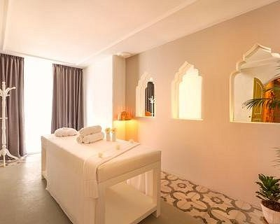 Spacious, cosey, beautiful treatment rooms!