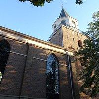 Emmen;19de eeuwse Grote Kerk uit 1856 met toren uit 13de eeuw