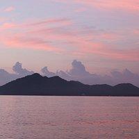 Morning sunrise - Dunk Island - Wongaling Beach