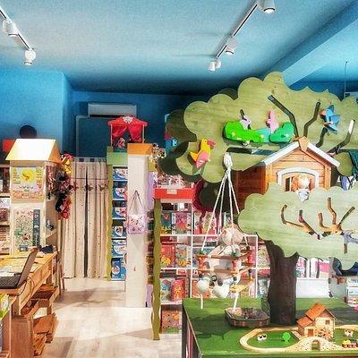Benvenuti a La Casa sull'Albero giocattoli in legno, in stoffa e giochi educativi per ogni età