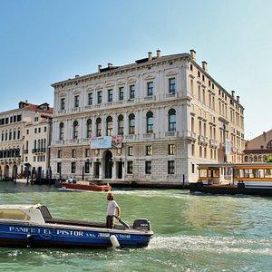 Palazzo Grassi sur le Grand Canal