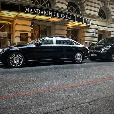 Maybach Limousinenservice am Mandarin Oriental Hotel in München