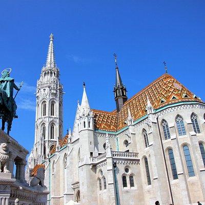 König István blickt zur Matthiaskirche