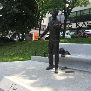 Памятник Чехову 2
