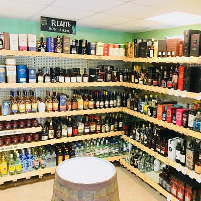 200+ Rums, a great wine selection, complete liquor store, all you need for a great vacation - Cu