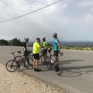Great tour 75km and nice view from the topp 498 meters up. Realy nice carbon racebikes, I can re
