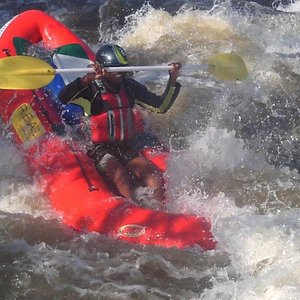We have a variety of white water rafting options on the Vaal River, phone us and find out more