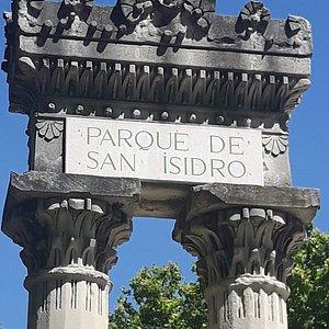 Entrada al Parque por el Paseo de la Ermita del Santo