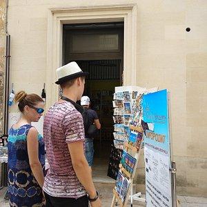 Una cordialità mai vista, ci hanno indirizzato ai migliori monumenti di Lecce, tappa obbligatori