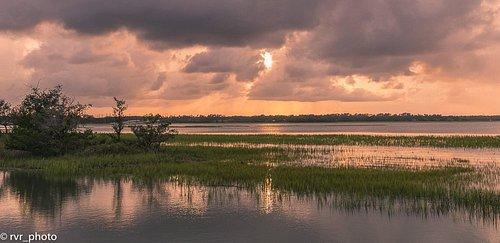 Lagunas y marismas que rodean la isla