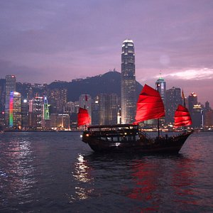 A cruise in Victoria Harbor is a must for anyone visiting Hong Kong. #sailing #attractions #bucketlist