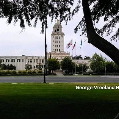Beverly Hills City Hall. Photo by George Vreeland Hill