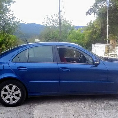 E Class Mercedes Limo