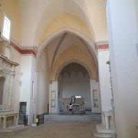 Le suggestive immagini degli interni del convento dei francescani neri
