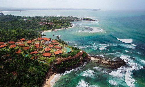 Weligama (Sinhalese: වැලිගම, Tamil: வெலிகாமம்) is a town on the south coast of Sri Lanka, locate