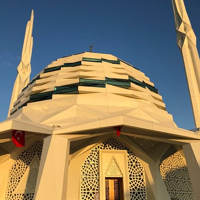 A wonderful mosque with and new futuristic design.