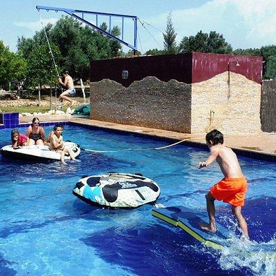 Piscine et jeux de piscine