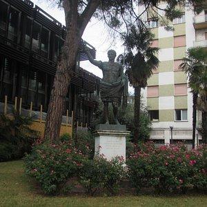 Statua di Cesare Ottaviano Augusto
