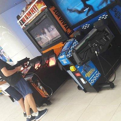 Игровые автоматы для малышей и для тех, кто постарше.