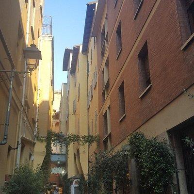 Via Marescalchi, 02 Bologna