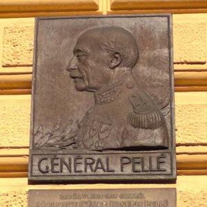 Villa Pelle outside
