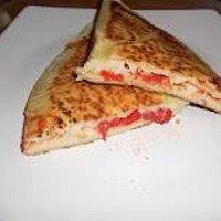 Crescioni pomodoro mozzarella ,erbette mozzarella molto buoni consiglio