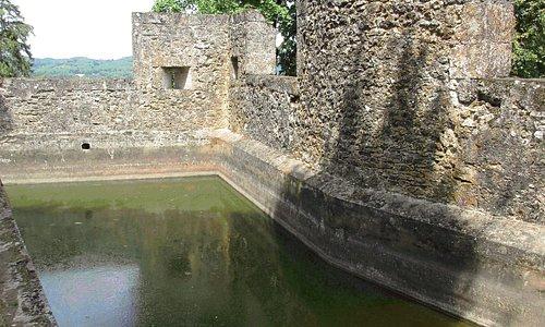 château de Fénelon - le pédiluve pour les chevaux