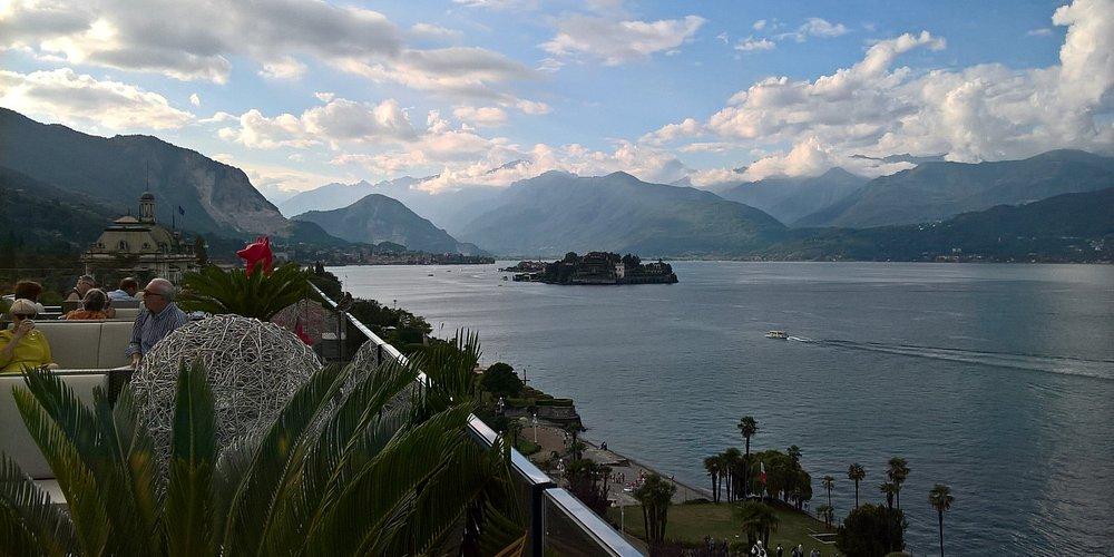Vista dalla terrazza sul Lago Maggiore