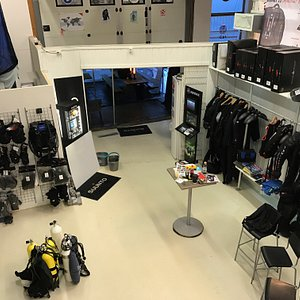 Divestore has a complete shop for last minute equipment and air/nitrox