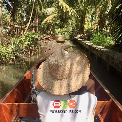Boat tour in local area near Tha Kha floating market