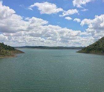 Vani Vilas Sagar Dam(Marikanave), is located about 20 kms away from Hiriyuru Town.