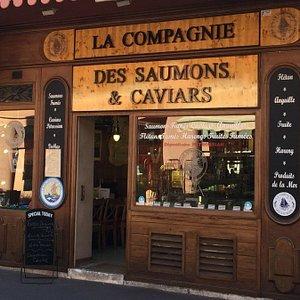 Notre établissement situé au 12 Marché Forville à Cannes.