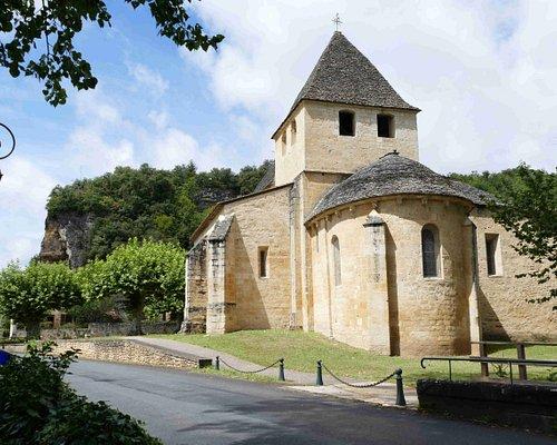Photo de l'extérieur de l'église Saint-Caprais à Carsac Aillac
