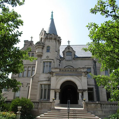 Exterior view of Turnblad Mansion from the street