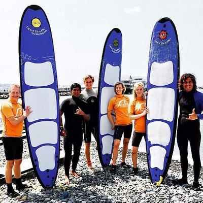 Pasando el fin de semana con sol y olas ideales para aprender