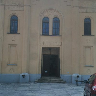 The At Home Gallery is located in a building that was once a synagogue.