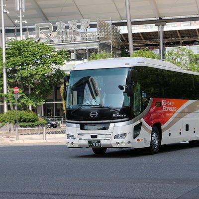 東北急行バスの車両です 東武グループ統一デザイン車両です 東北急行バスオリジナルデザイン車両もあります