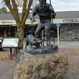 James Mackenzie Statue