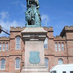 Flora MacDonald Statue i Inverness
