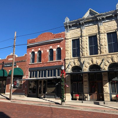 Historic Buildings in Farmersville
