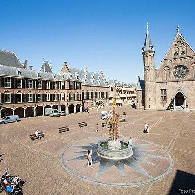 Binnenhof, The Hague (photo by Bart van Vliet)