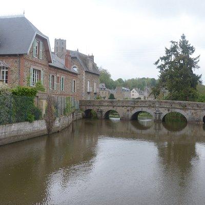 il fiume ed il ponte