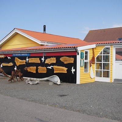 Rav Huset - Thyborøn. Arbejdende værksted, butik og museum.