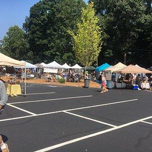 Trevlig bondemarknad i Atlanta, Lokala producenter säljer direkt till konsumenter. Trevlig initi