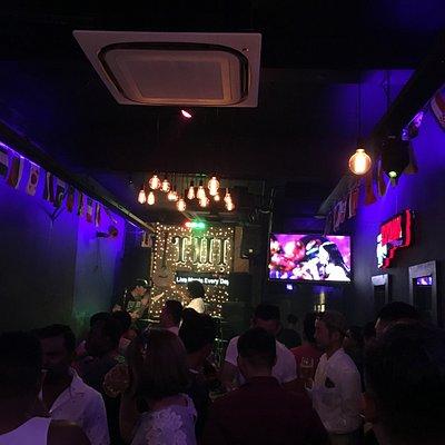 Không gian Thị Bar