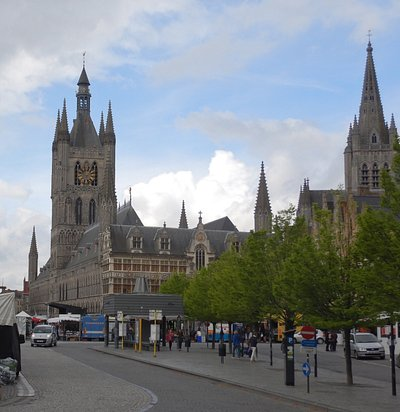 Cloth Hall looking across the Market Square.