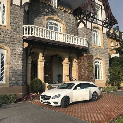 Transporte VIP en coches de lujo.