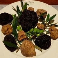 White and black truffles @ Gatto Nero