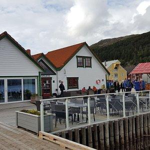 Reception, bar and restaurant building